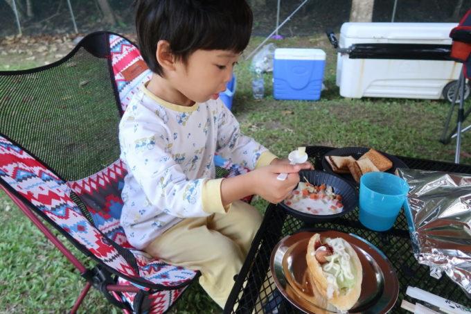 沖縄県東村「つつじエコパーク」キャンプ場で朝ごはん