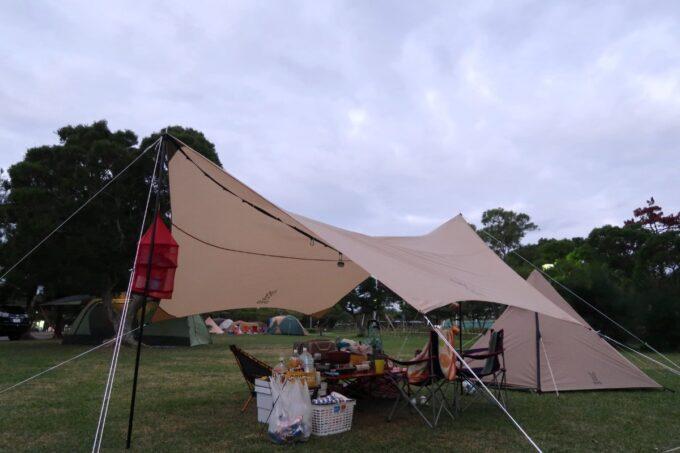 朝の沖縄県総合運動公園キャンプ場の様子