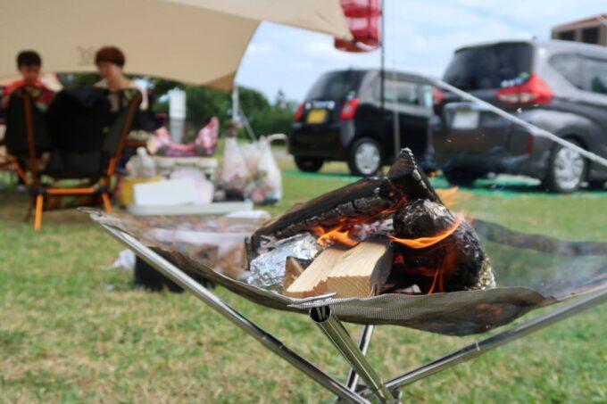 沖縄県総合運動公園キャンプ場で焚き火をして焼き芋を作った