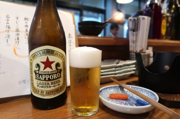 那覇市松尾「飯ト寿小やじ」サッポロラガー瓶ビール(600円)