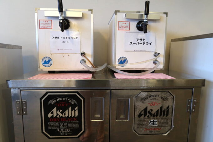 那覇市泉崎「沖縄ハーバービューホテル」ビアガーデンのビール(アサヒスーパードライ、アサヒドライブラック)