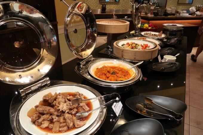 那覇市泉崎「沖縄ハーバービューホテル」ガーデンレストラン プランタンの朝食バイキングの食事