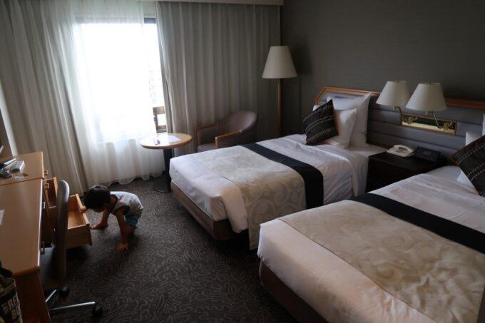 那覇「沖縄ハーバービューホテル」スタンダードツイン(25平米)の客室