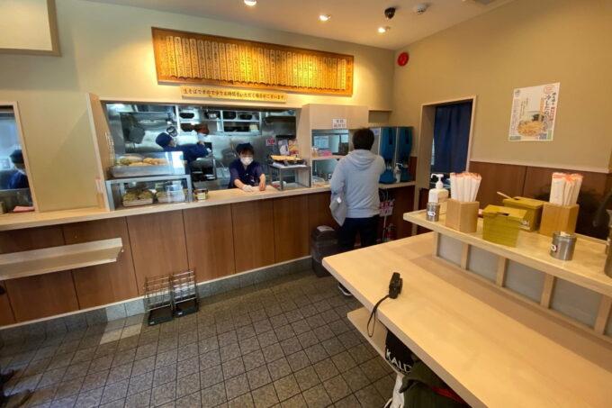 「そばの神田 東一屋 名掛丁店」の店内
