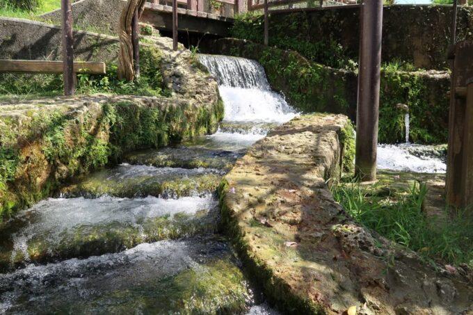 糸満「与座川(ヨザガー)」急流の滝もスリルがあり楽しそう