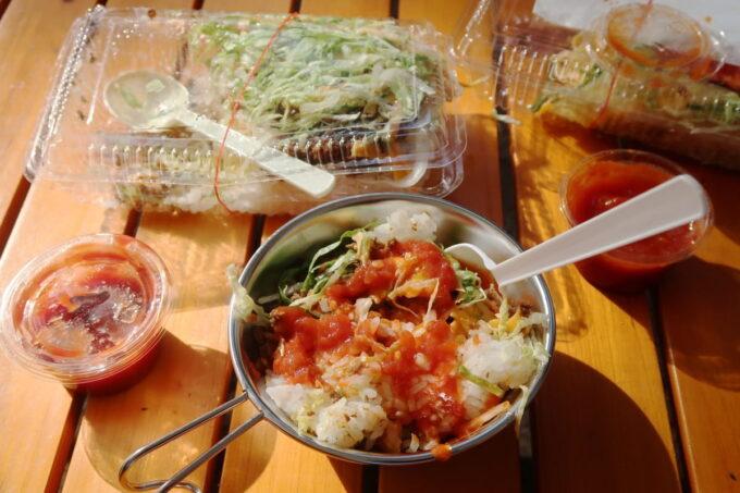 沖縄県金武町「ネイチャーみらい館」で食べた1日目のランチ