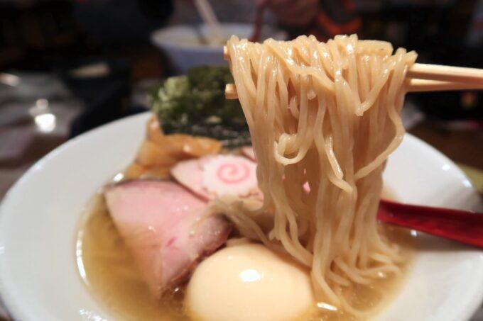 沖縄県本部町「大浜商店」特製煮干しラーメン(塩)の麺