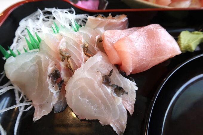 西原町「漁師食堂 大ばんぶる舞」本日の幕の内定食(1180円)のお刺身