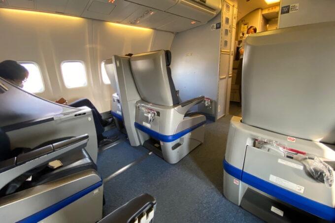 ANA1780便(石垣空港→那覇空港)のプレミアムクラスの様子