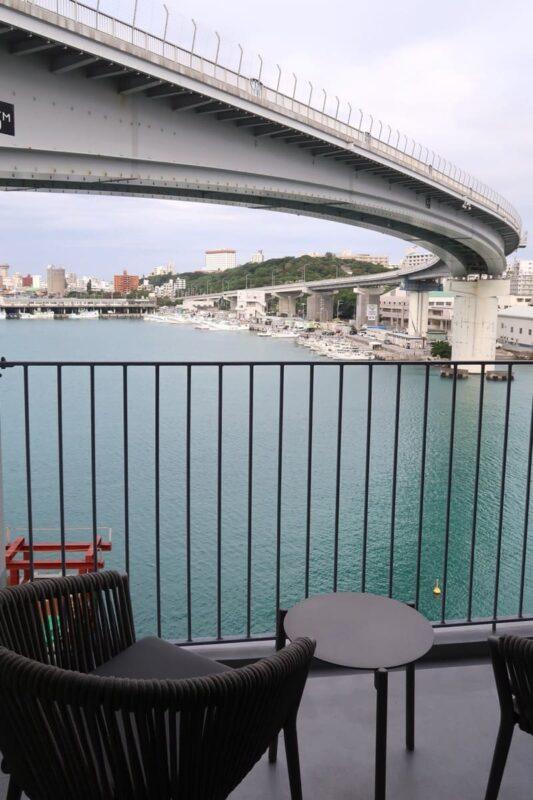 那覇市前島「ホテルアンテルーム那覇」スーペリアルツインルームのベランダからの眺め