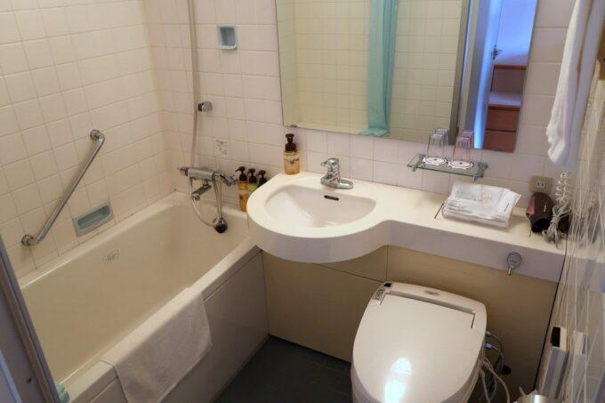 愛媛県松山市「ホテルマイステイズ松山」スタンダードダブルのバスルーム・トイレ