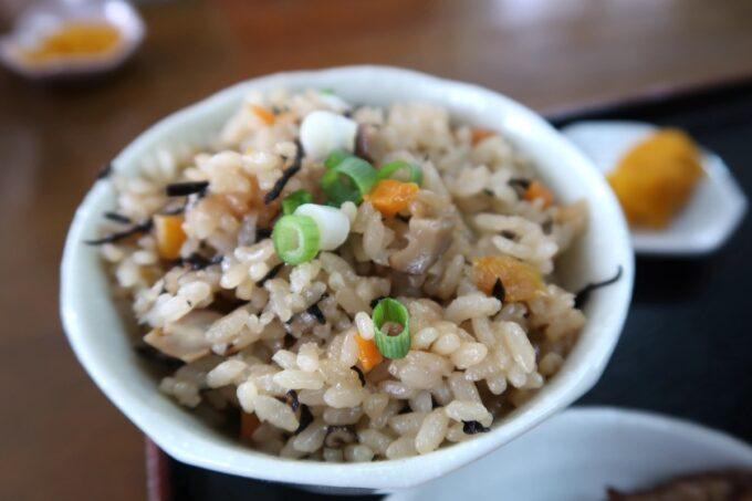 中城村「麺家にらい」100円でセットにできるじゅーしーもおいしい