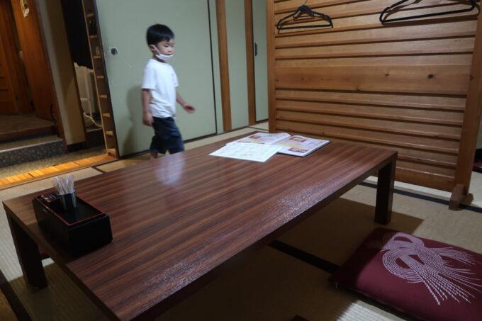 松山市「郷土料理 五志喜」の個室は和室だった