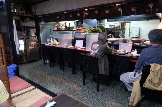 愛媛県松山市「居酒屋まつだ」の店内