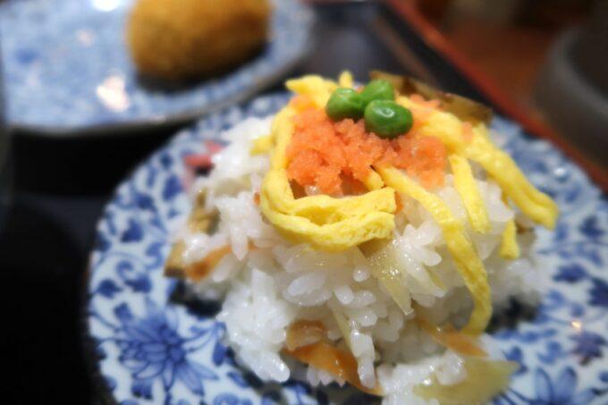 四国中央市「手打ちうどん 菜の家」ちらし寿司(200円)