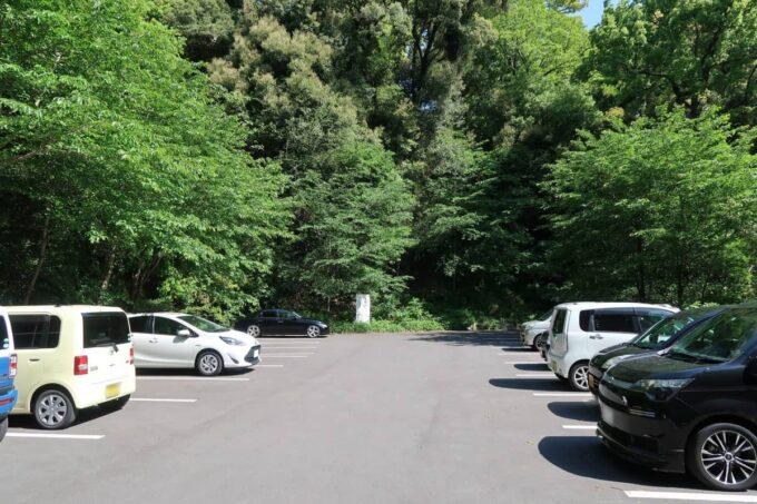 琴平町「神椿」の駐車場