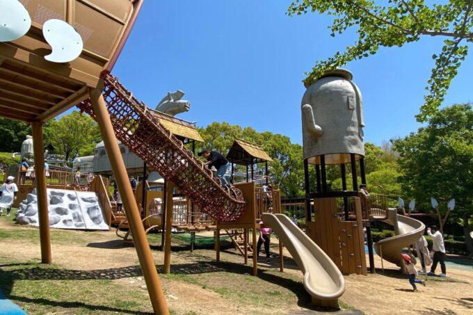 高松市「峰山公園」はにわっ子広場のアスレチック