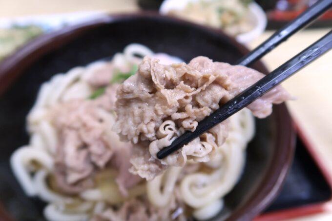 高松市「うどん市場 兵庫町店」肉うどんの薄切り牛肉