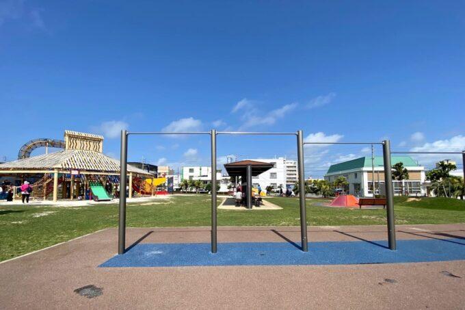 沖縄市「若夏公園」すごく高い鉄棒