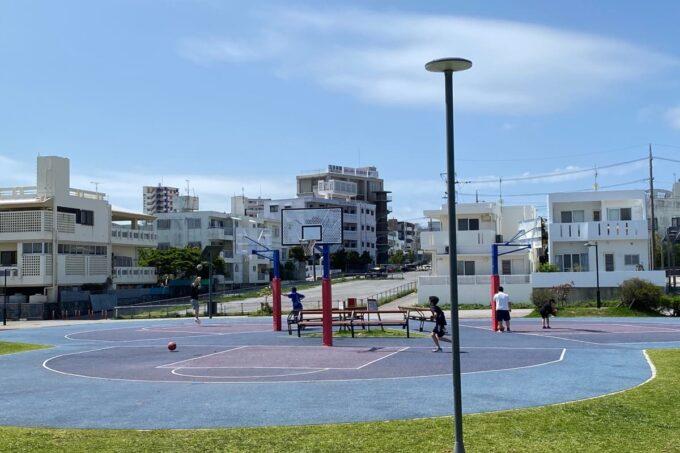 沖縄市「若夏公園」バスケットコート