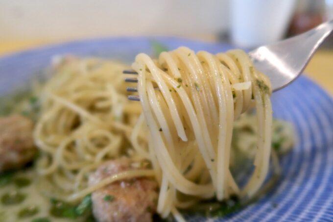 那覇市安里「Kitchen(キッチン)」パスタは細麺だった