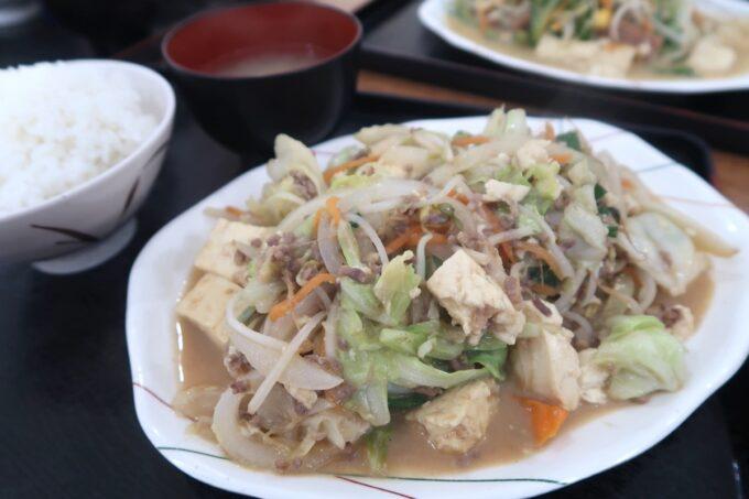 豊見城「えびす食堂」みそとうふ炒め定食(680円)
