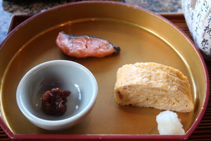カヌチャリゾート「和食レストラン 神着(かぬちゃ)」和御膳の焼き魚・だし巻き玉子・神着特製油味噌
