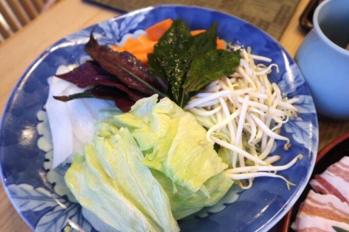 カヌチャリゾート「和食レストラン 神着(かぬちゃ)」野菜しゃぶしゃぶ