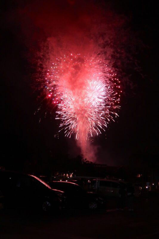 カヌチャリゾート「バーベキューテラス クーワクーワ」で食事後に上がった花火