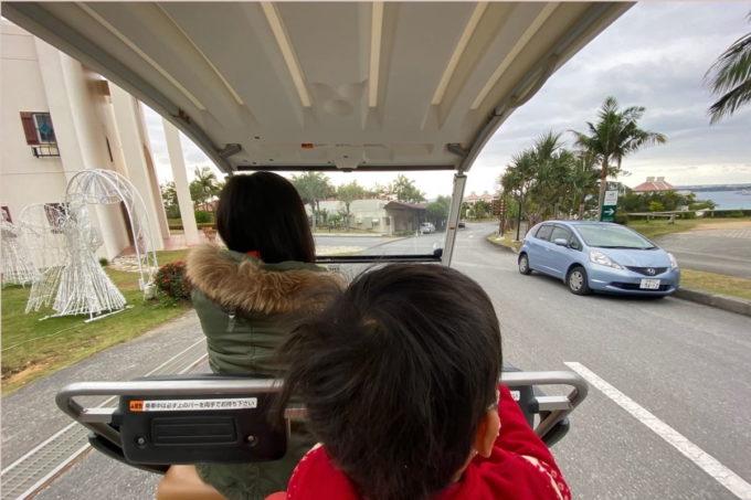沖縄の老舗「カヌチャリゾート」恐る恐るカートを運転する私
